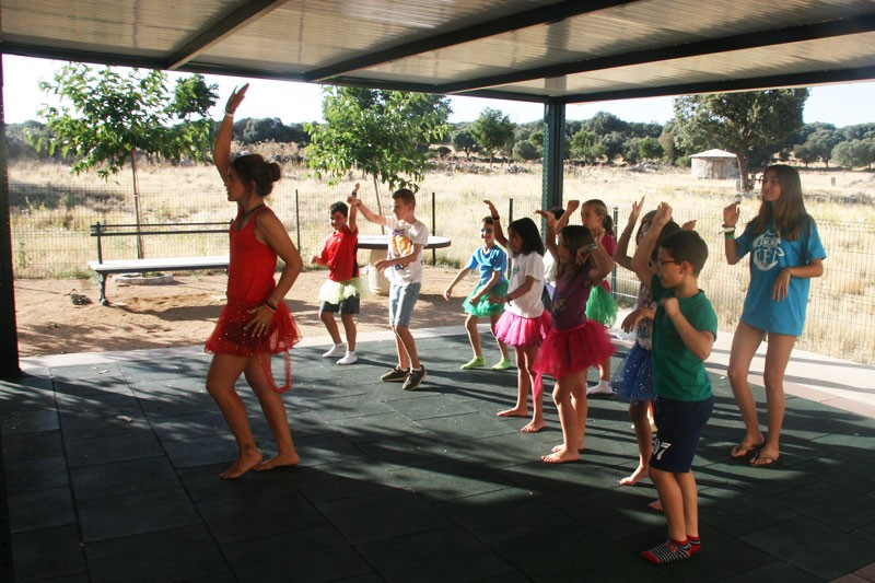 Imagen Secundaria de BERMUDILLO SPANISH&ENGLISH FUN CAMP 14